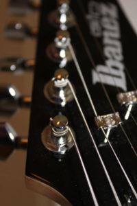 Neue Saiten für meine E-Gitarre